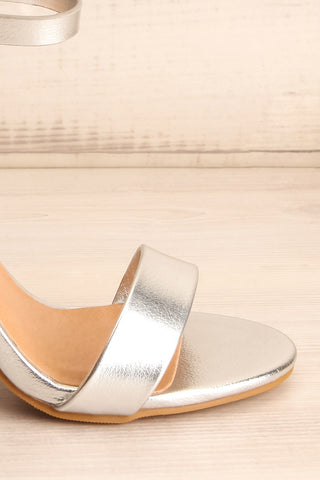 Bailly Silver Block Heeled Sandals w Sequins | La Petite Garçonne 7