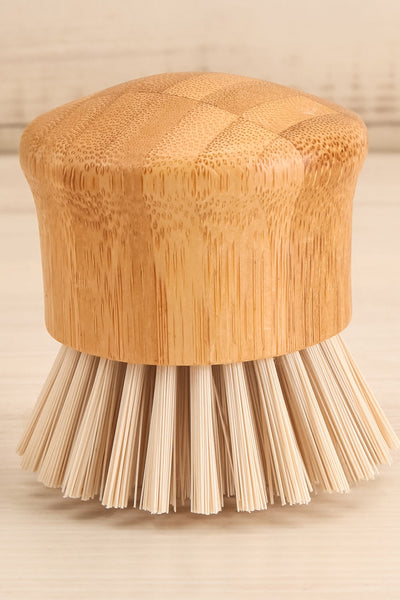 Bamboo Handle Brush Dishes | La petite garçonne close-up