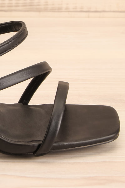 Baudoyer Black Heeled Sandals | La petite garçonne side close-up