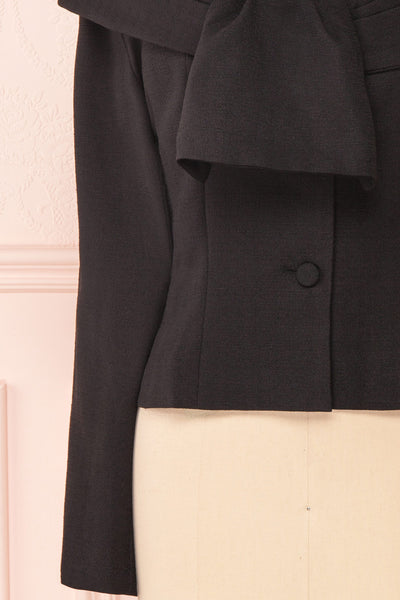 Benedicte Black Fitted Vintage Blazer Jacket | BOTTOM CLOSE UP | Boutique 1861