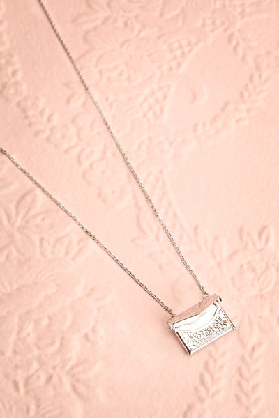 Benefio Argent Silvery Necklace with Purse Pendant | Boutique 1861 1