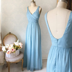 Beomia Topaz - Light blue gown with veil lining