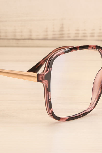 Bethune Blue Light Protection Glasses | La petite garçonne side close-up