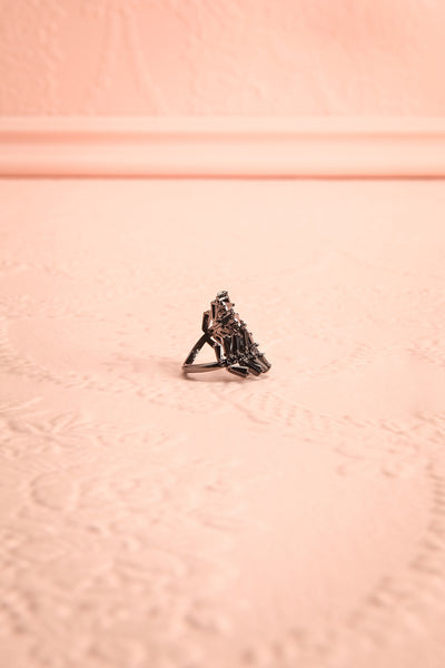 Bini Nuit Leaves-Shaped Ring with Black Crystals | Boutique 1861 3