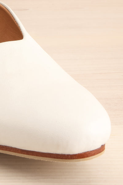 Boicas Chalk White Block Heel Mules front close-up | La Petite Garçonne Chpt. 2 5