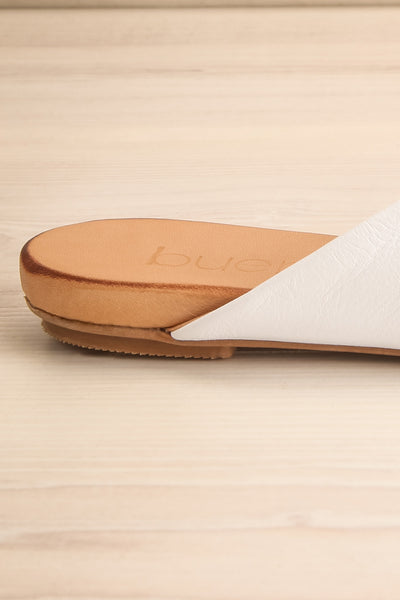 Botha Milk White & Tan Slip-On Sandals | La petite garçonne side back close-up
