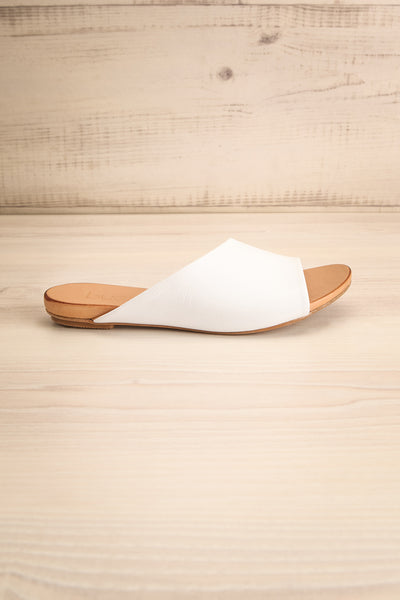 Botha Milk White & Tan Slip-On Sandals | La petite garçonne side view