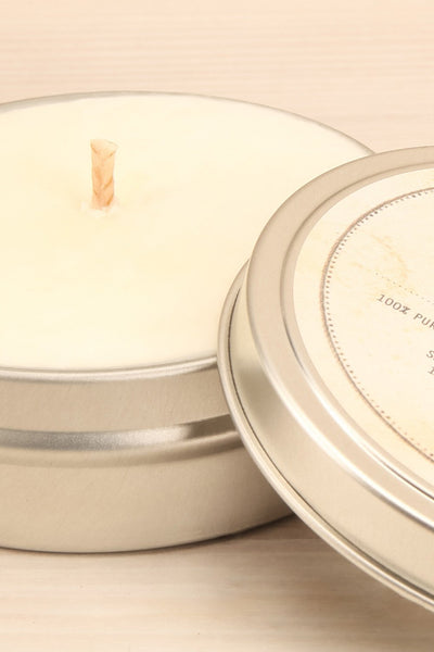 Bougie White Flowers - Perfumed candle in a tin box 4