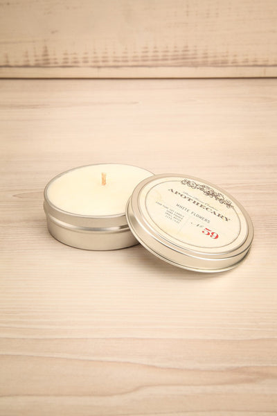 Bougie White Flowers - Perfumed candle in a tin box 1
