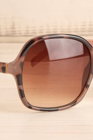 Burnley Patterned Brown Butterfly Sunglasses | La Petite Garçonne 4