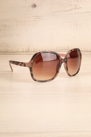 Burnley Patterned Brown Butterfly Sunglasses | La Petite Garçonne 3