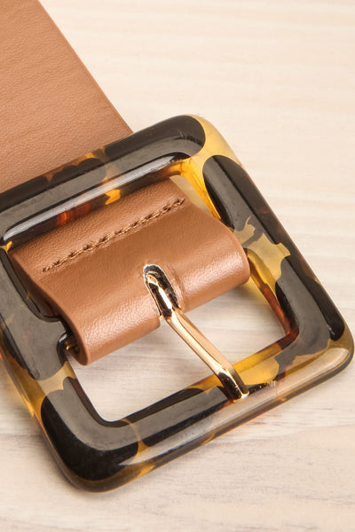 Cogo Tan Belt with Marbled Amber Buckle | La Petite Garçonne 4