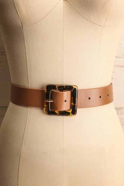 Cogo Tan Belt with Marbled Amber Buckle | La Petite Garçonne 1