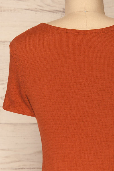 Cardiff Rust Orange V-Neck Knotted Top | La Petite Garçonne back close-up