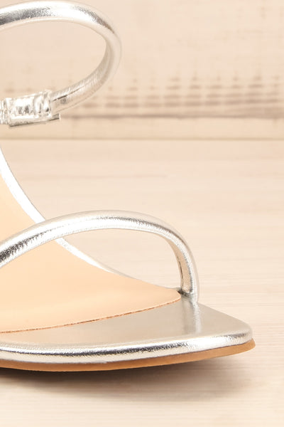 Cariaco Silver Stiletto Heel Sandals | La petite garçonne front close-up