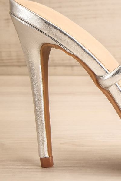 Cariaco Silver Stiletto Heel Sandals | La petite garçonne side close-up