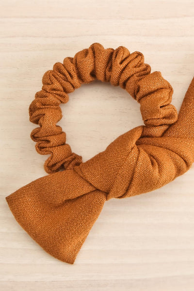 Castra Brown Faux Linen Hair Scrunchie | La petite garçonne close-up