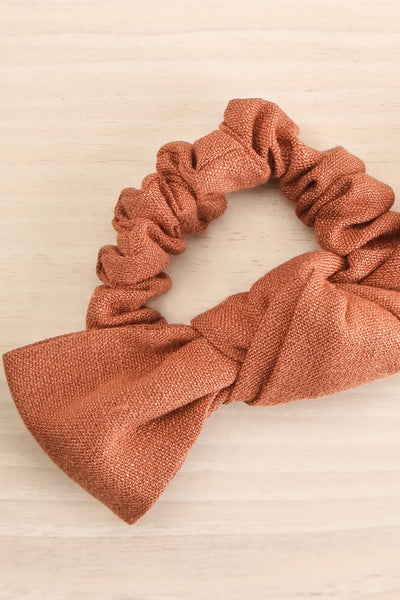 Castra Pink Faux Linen Hair Scrunchie | La petite garçonne close-up