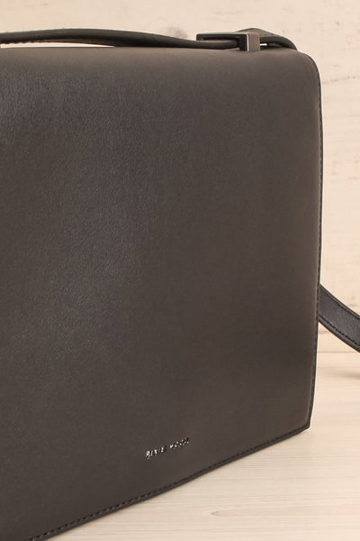 Charlot Black Faux-Leather Pixie Mood Handbag side close-up | La Petite Garçonne