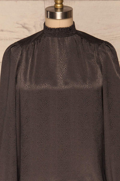 Corenne Dark Grey Satin Blouse | Haut front close up | La Petite Garçonne