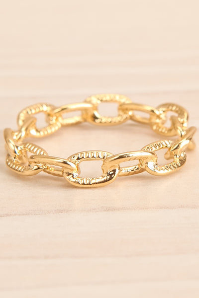 Czaplinek Or Fine Chain Links Textured Ring flat close-up | La Petite Garçonne