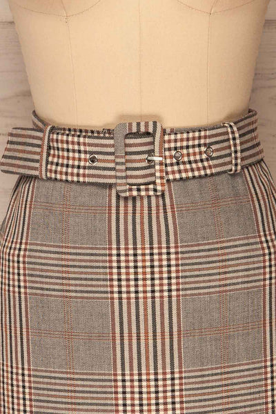 Darlington Plaid Mini Skirt | Mini Jupe | La Petite Garçonne front close-up