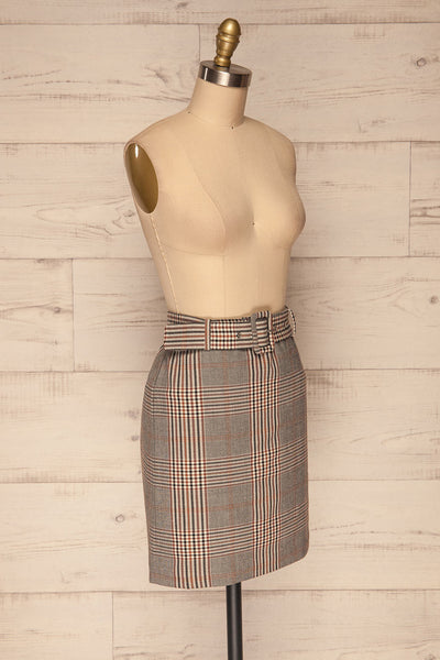 Darlington Plaid Mini Skirt | Mini Jupe | La Petite Garçonne side view