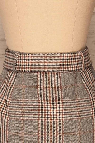 Darlington Plaid Mini Skirt | Mini Jupe | La Petite Garçonne back close-up