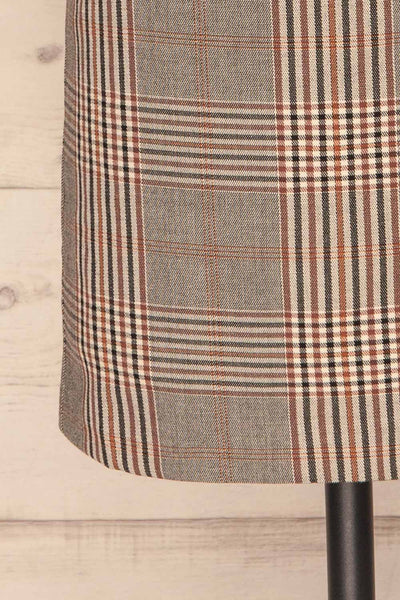 Darlington Plaid Mini Skirt | Mini Jupe | La Petite Garçonne bottom close-up