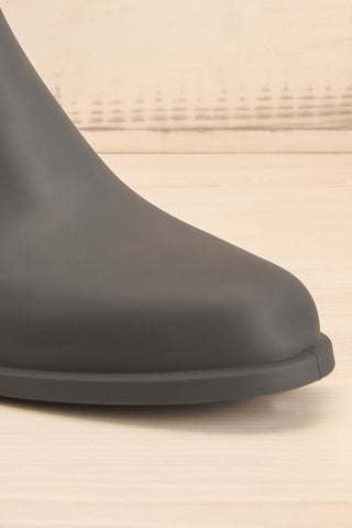 Dartford Grey Chelsea Rain Boots front close-up | La Petite Garçonne Chpt. 2