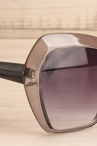 Deknepoll Grey Oversized Sunglasses side close-up | La Petite Garçonne