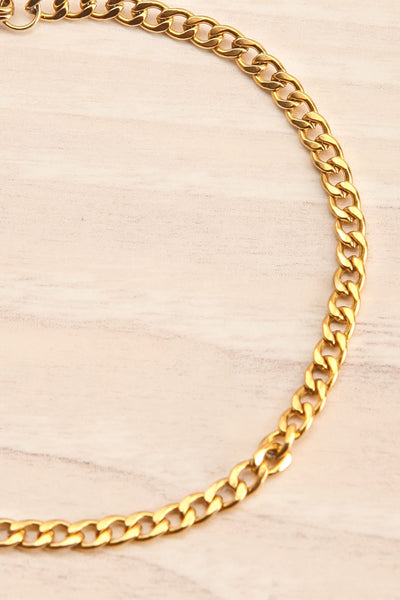 Delia Gold Chain Bracelet | La Petite Garçonne close-up