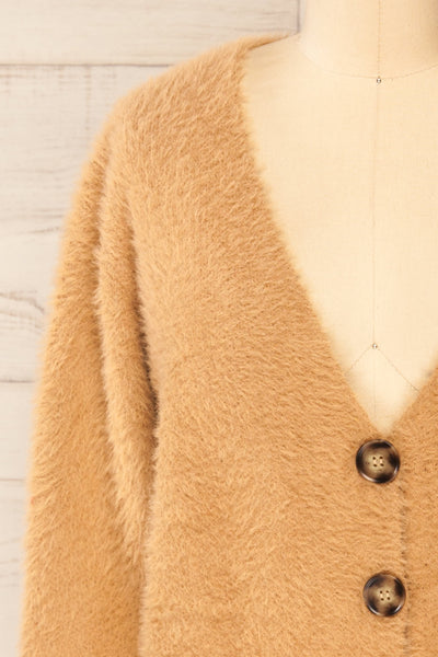 Delitzsch Beige Fuzzy Cropped Cardigan | La petite garçonne front close-up