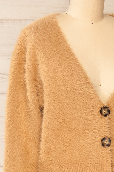 Delitzsch Beige Fuzzy Cropped Cardigan | La petite garçonne side close-up