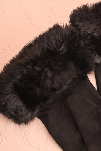 Derra Black Gloves with Faux-Fur Lining & Cuff close-up | Boutique 1861