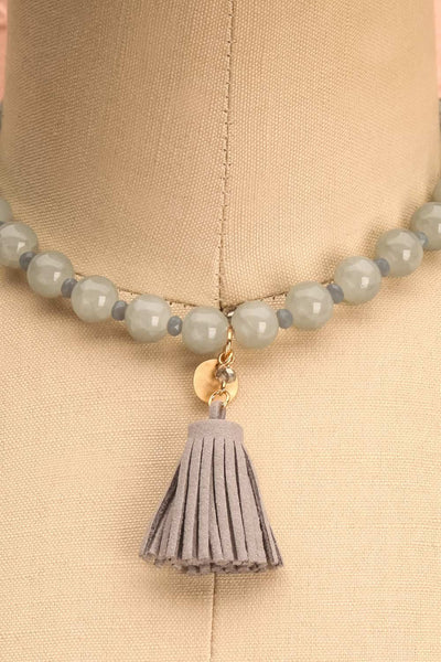 Dianthus - Grey beaded necklace with a tassel