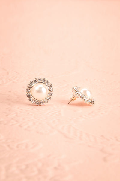 Divitiae Pearl & Crystals Stud Earrings | Boudoir 1861