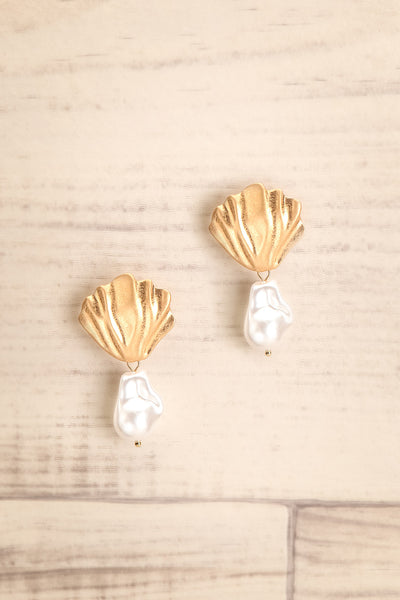 Drakona Gold Shell & Pearl Pendant Earrings | La Petite Garçonne