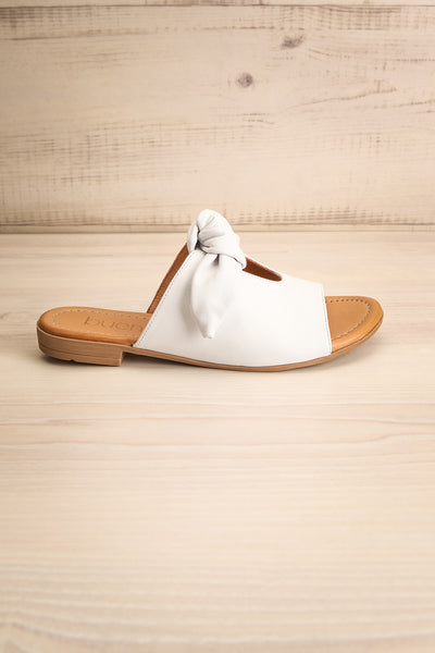 Ebelmen White Slip-On Sandals w/ Bow | La petite garçonne side view