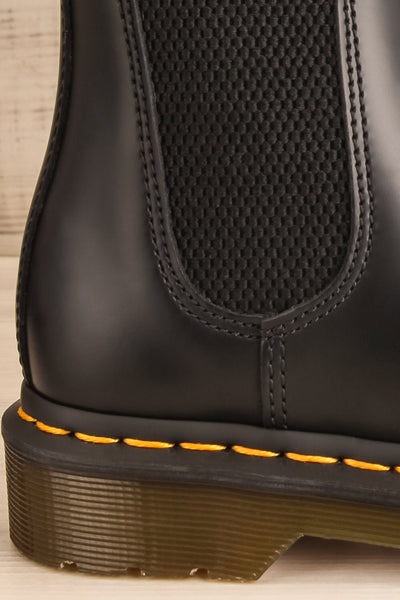 Edimbourg Leather Black Chelsea Boots side back close-up | La Petite Garçonne