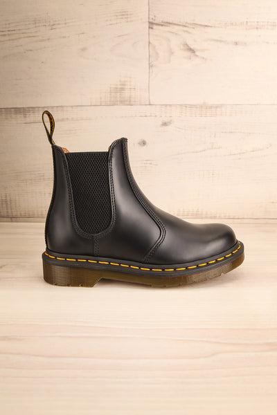 Edimbourg Leather Black Chelsea Boots side view | La Petite Garçonne