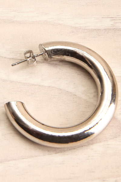 Elene White Gold Hoop Earrings | Anneaux | La Petite Garçonne close-up