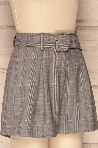 Evosmos Grey Plaid High Rise Shorts | La Petite Garçonne side close-up