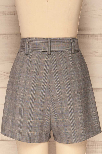 Evosmos Grey Plaid High Rise Shorts | La Petite Garçonne back close-up