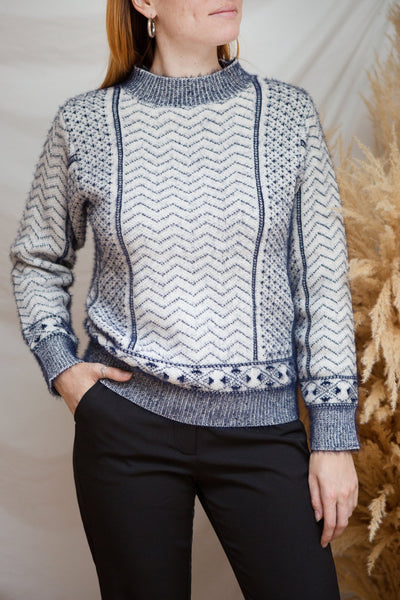 Fagerbukta White Patterned Knit Sweater | La petite garçonne model