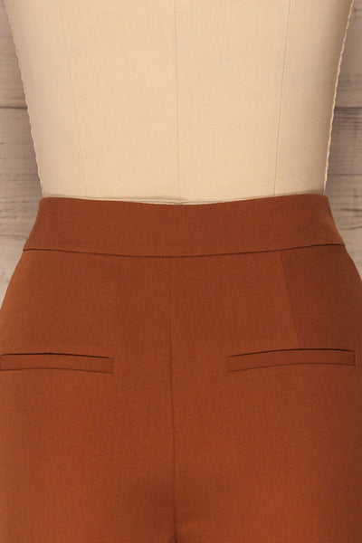 Falstad Rust Pants | Pantalon | La Petite Garçonne back close-up