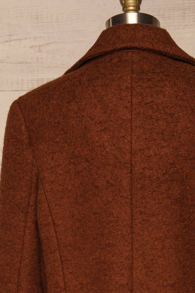 Fangdalen Cognac Brown Coat | Manteau Brun back close up | La Petite Garçonne