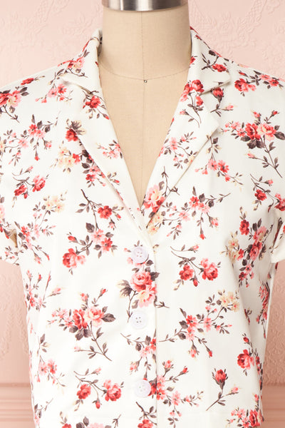 Fuujin White & Pink Floral Buttoned Crop Top front close up | Boutique 1861