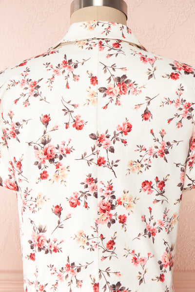 Fuujin White & Pink Floral Buttoned Crop Top back close up | Boutique 1861