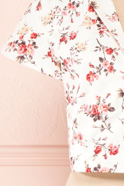 Fuujin White & Pink Floral Buttoned Crop Top sleeve | Boutique 1861